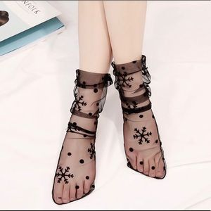 Accessories - Tulle socks with snow flakes